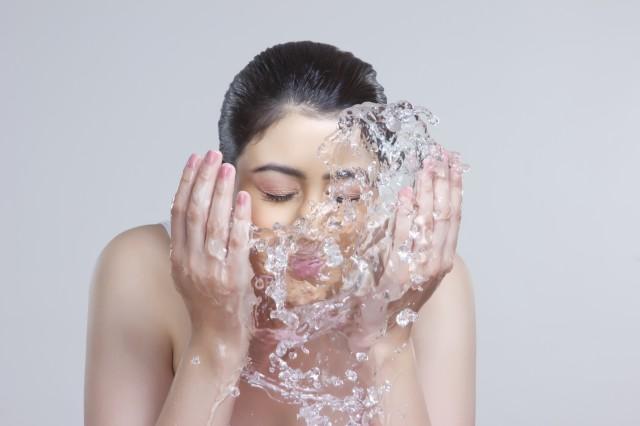 秋季护肤要注意什么?正确护肤保养,就该一步一步来